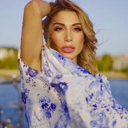 Η Μαρία Καρλάκη υπογράφει στιχουργικά στα τουρκικά το νέο της τραγούδι που κυκλοφορεί στην Αμερική