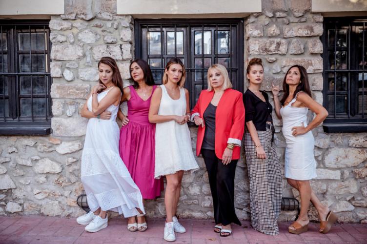 Οι Ανθισμένες Μανόλιες ανθίζουν στο καλοκαιρινό Θέατρο Χυτήριο