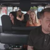 Οι πρωταγωνιστές των Friends ερμηνεύουν το τραγούδι των τίτλων σε ένα μοναδικό Carpool Karaoke