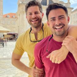 Στην Ελλάδα και ο Jonathan Bennett με τον σύντροφο του Jaymes Vaughan