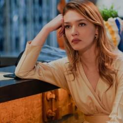 Melisa Döngel: «Ο πατέρας μου με κακοποιούσε σεξουαλικά»- Όσα αποκάλυψε η ηθοποιός του Elif