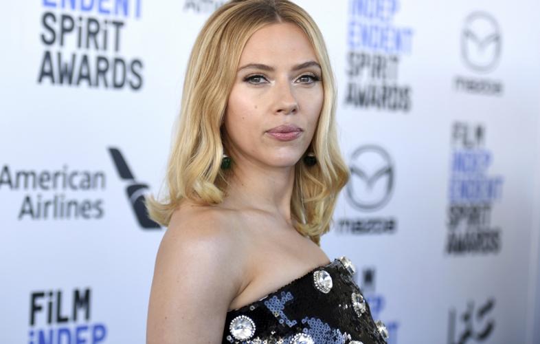 Η σωσίας της Scarlett Johansson προκαλεί χαμό στο TikTok