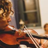 Διεθνείς Μουσικές Ημέρες Καλαμάτας 2021: Η Kalamata Festival Orchestra στην πρώτη της εμφάνιση υπό τη διεύθυνση του μαέστρου Joshua Weilerstein