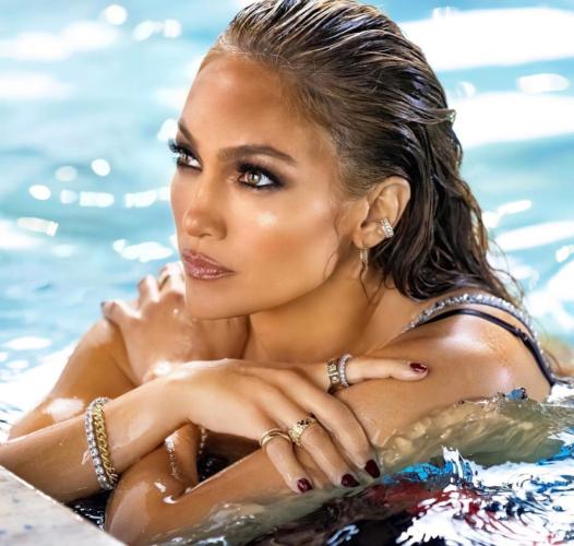 Η εκθαμβωτική εμφάνιση της Jennifer Lopez στα VMAs