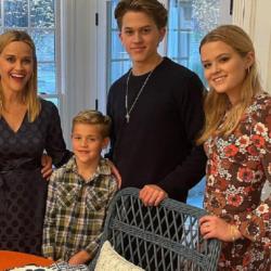 H αποκάλυψή της Reese Witherspoon για την πρώτη φορά που έγινε μητέρα
