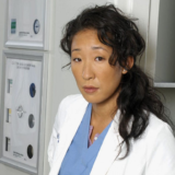 H Sandra Oh εξηγεί γιατί το Grey's Anatomy ήταν η πιο τραυματική της εμπειρία
