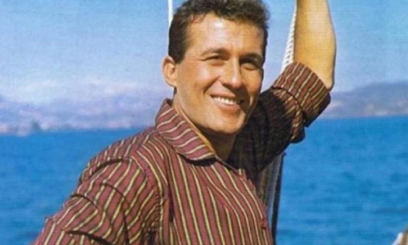 Δημήτρης Παπαμιχαήλ: Για πρώτη φορά στην δημοσιότητα μέσα από το σπίτι που πέθανε ο ηθοποιός