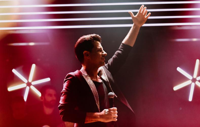 Θοδωρής Φέρρης: Λαμπερή και sold out πρεμιέρα στο «Romeo Club»