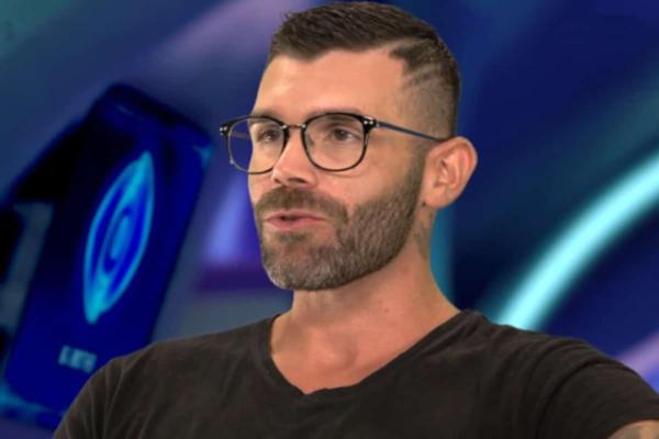 Ο Νικόλας Τσίρλης είναι ο παίκτης που αποχώρησε από το αποψινό Live του Big Brother