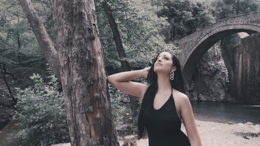 Καρδιά μου μόνη: Εντυπωσιάζει το νέο τραγούδι της Αρίστης