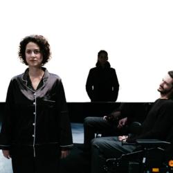 Πόσο κοστίζει να ζεις; της Μαρτίνα Μάγιοκ στο θέατρο ΠΟΡΤΑ