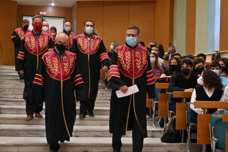 Το «Βήμα» και τα «Νέα» επιβραβεύουν τους αριστούχους φοιτητές του ΟΠΑ
